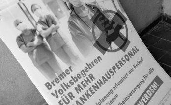 Plakate des Volksbegehrens für mehr Krankenhauspersonal