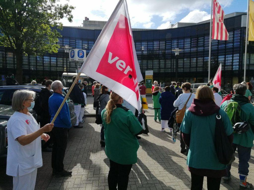 Streik vor Krankenhaus