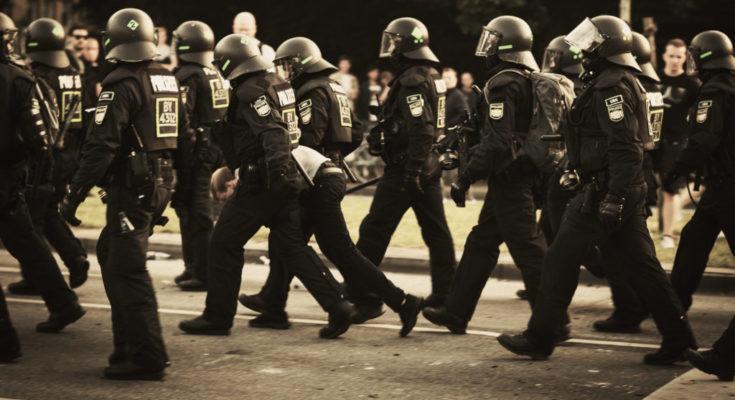 Polizei: BFE nimmt jemanden fest