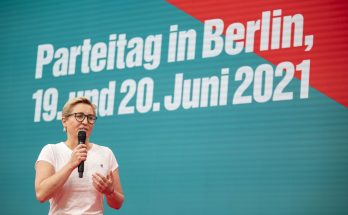 Susanne Hennig-Wellsow beim Wahlprogramm-Parteitag